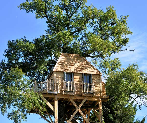 treehouse hotel France